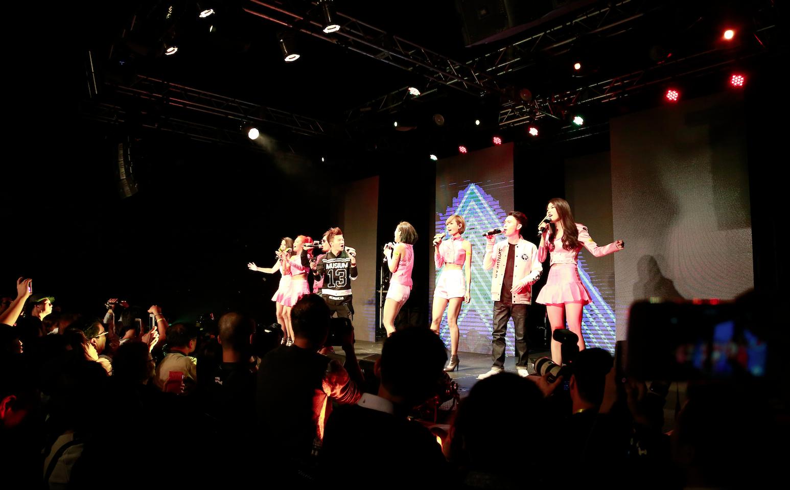 Super Girls Flash On Live 2015