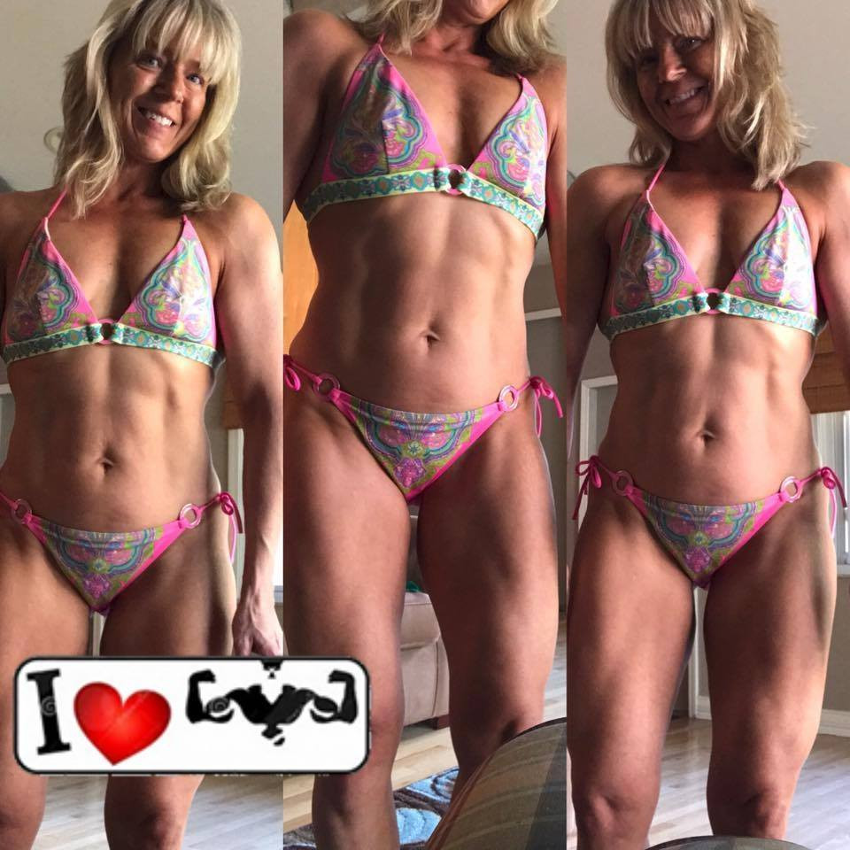 Brooke Savage, bikini