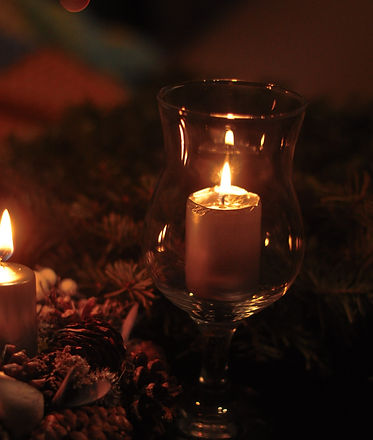 lighted%20candle%20in%20clear%20glass%20candle%20holder_edited.jpg