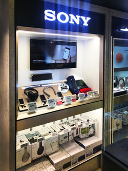 Sony HKIA Shop Front Display (4)