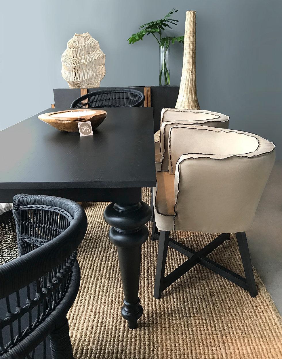 silla y mesa gray.jpg