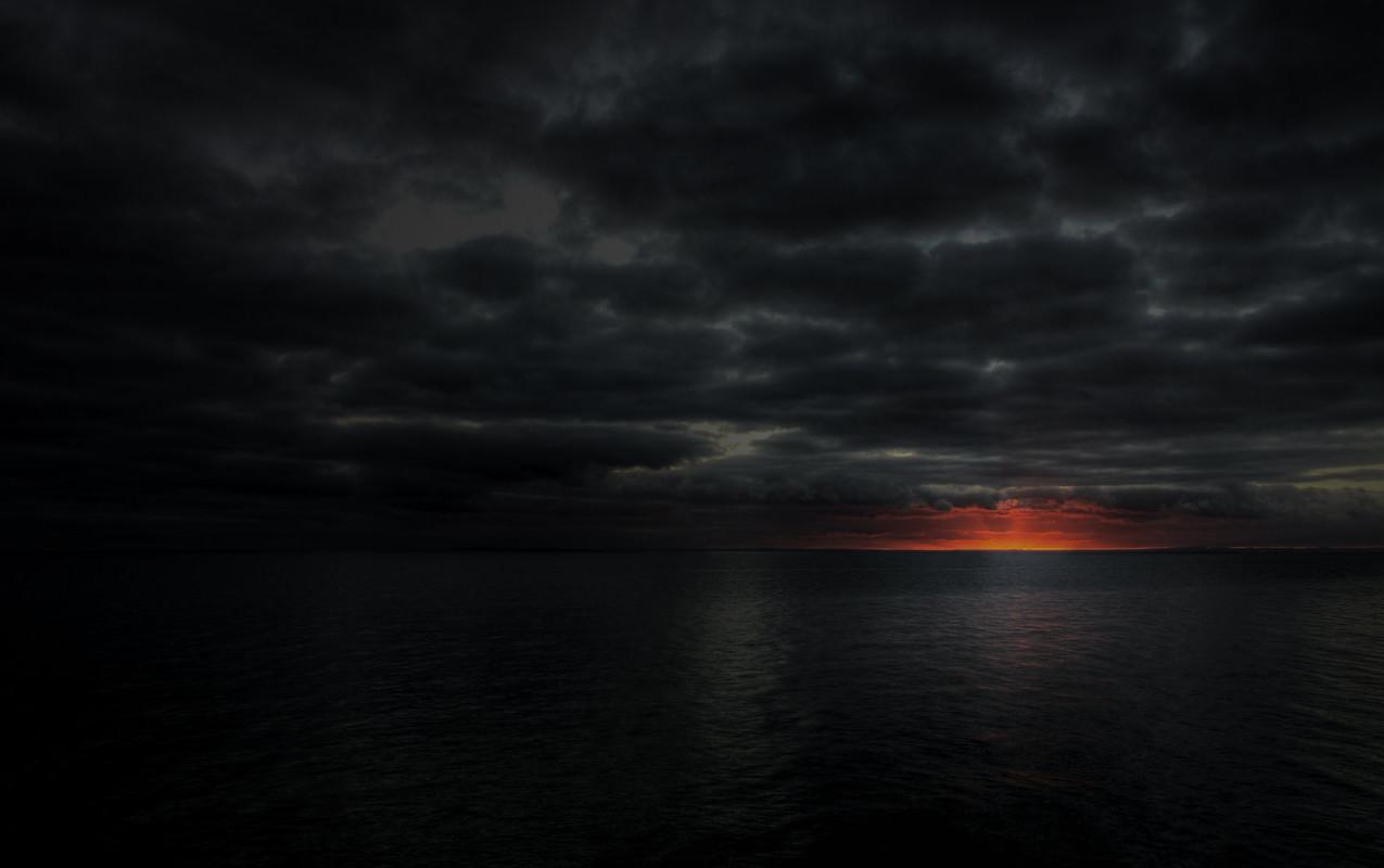 Black-Dark-Sunset