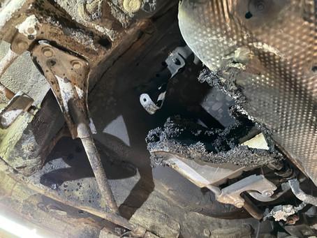 車が燃えた!