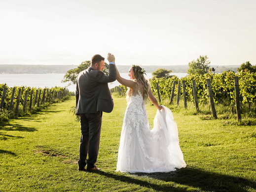 Stacey & Michael | Ventosa Vineyards Wedding | New York Wedding Planner