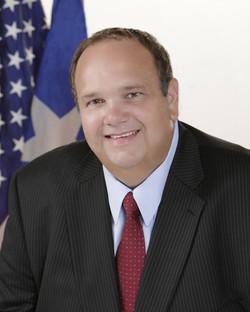 Eduardo_González for Mayor_Starbound_PR