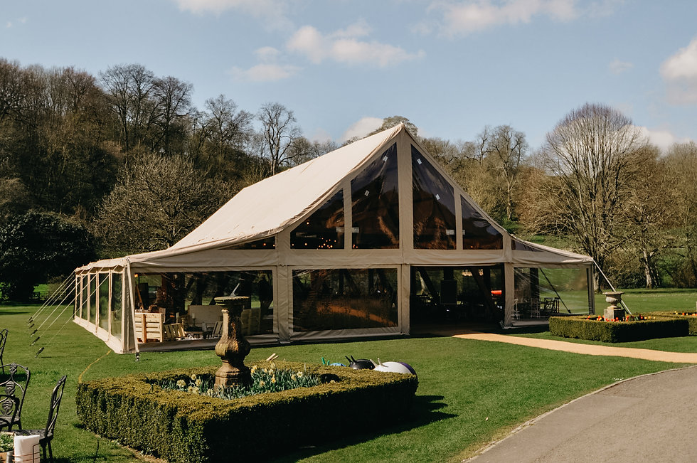 Cruck-tent-to-hire-in-henley-on-thames