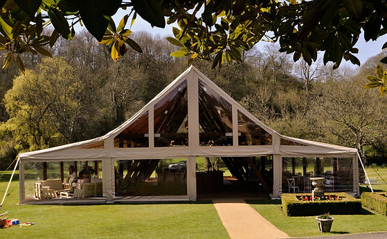 The-cruck-tent-for-corporate-hire-exterior