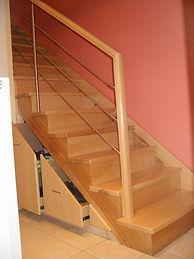 Rangement sous escalier