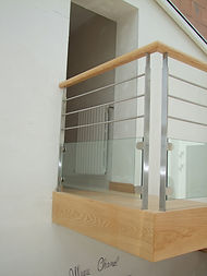Garde corps d'escalier bois verre inox