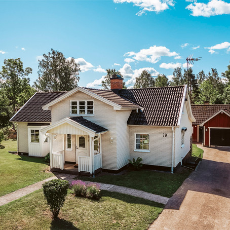 Swedish Villa with Guest House