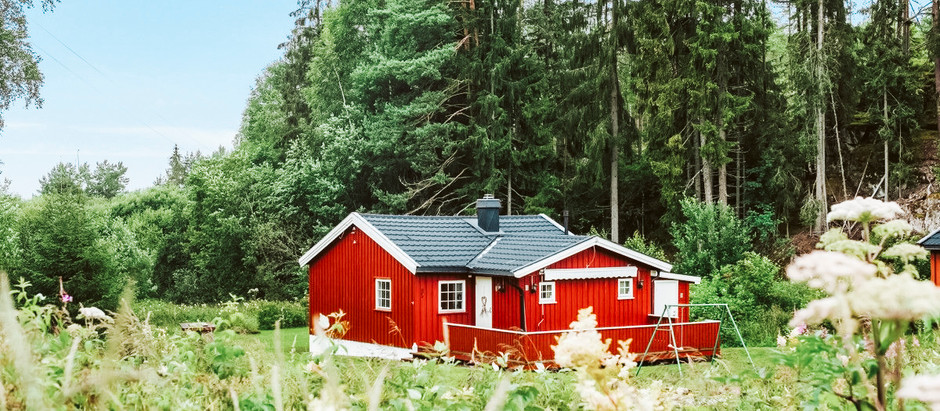 Sweet little cottage in Norway on 1.2 Acres