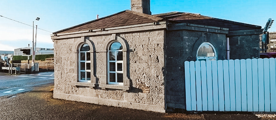 Quirky gate keeper's cottage circa 1840 in Ireland for $237k USD