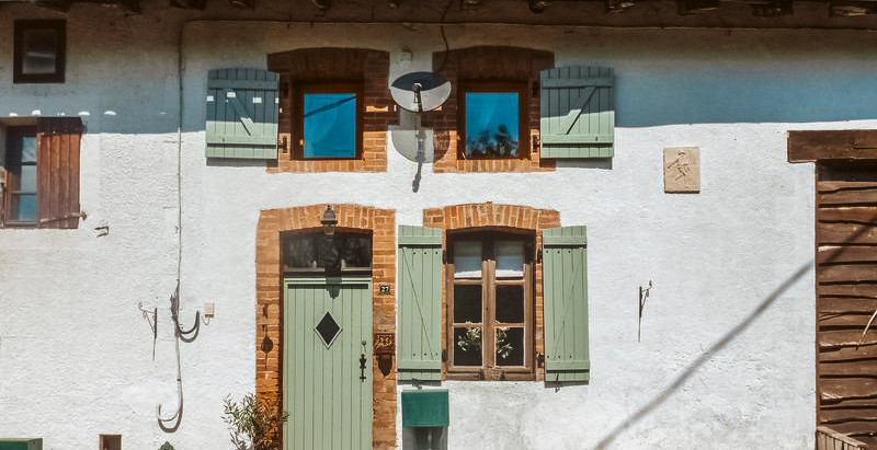 Pretty Garden Cottage in France for €82,500