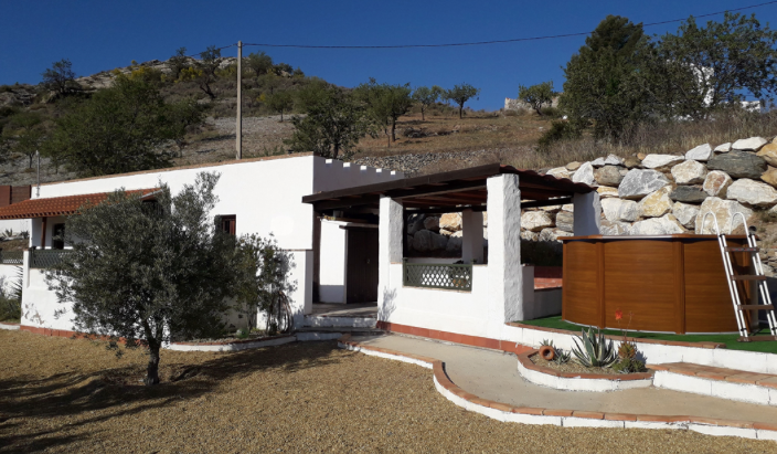 Spanish finca for €840/month