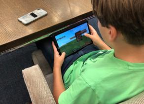 Kreative Kinder entwickeln Verkehrsideen in Minecraft
