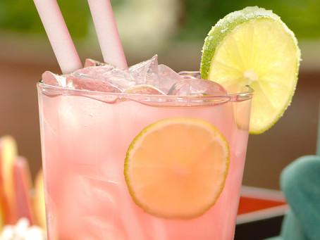 4 receitas de coquetéis sem álcool e como harmonizá-los com os canudos comestíveis