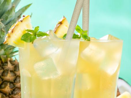 5 drinques com álcool fáceis de fazer e como deixá-los mais saborosos com os canudos comestíveis