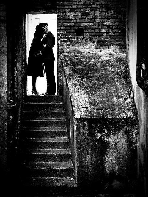 IL BACIO. FOTOGRAFIA D'AUTORE FIRMATA MARCELLO GINELLI