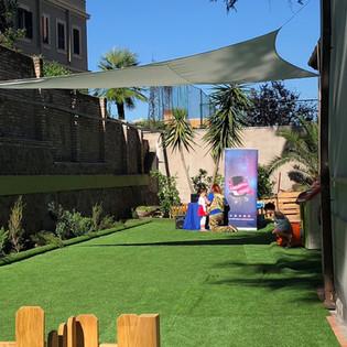 festa in giardino con teatrino