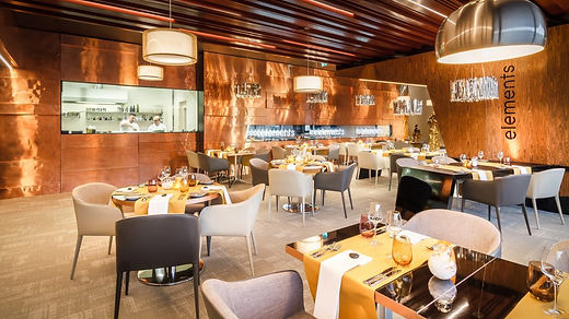 delicious-food-prague-restaurant-element