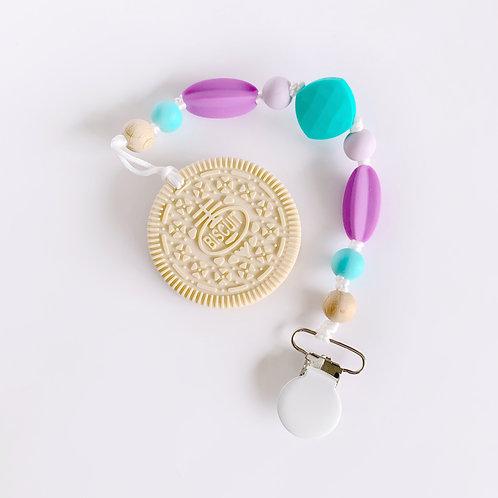 Vanilla Cookie Teether - Sarah Clip