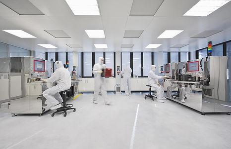 InnoLas-Semiconductor-Reinraum.jpg