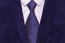 suit-2821383_1920.jpg