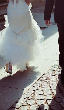 Bride%20and%20Groom%20Walking%20Away_edi