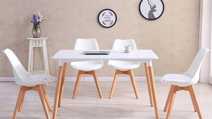 Esstisch mit 4 Stühlen , Esszimmertisch , Farbe Weiß mit Buche Beine