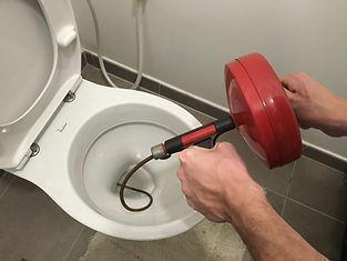 déboucher WC toilette avec furet