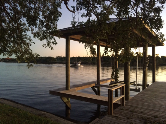 Crystal River Charm, Boating & Fishing