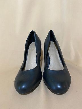 14 castro basic heels
