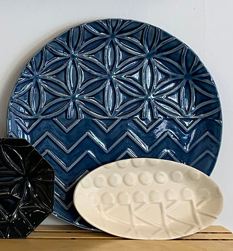 """8"""" White Oval - Line and Dine Collection"""