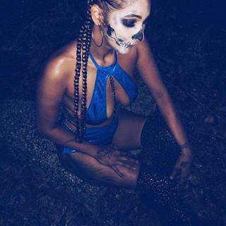 lady skeleton 2.jpg