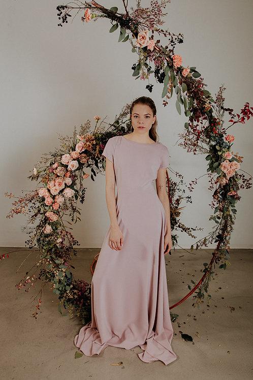 Světle růžové minimalistické šaty pro družičky, nebo svědkyně