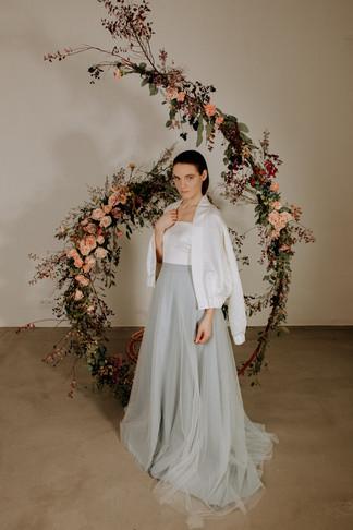 svetle-modra-svatebni-tylova-sukne-dlouh