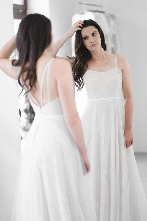 Těhotenské celokrajkové svatební šaty