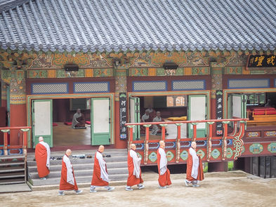 monks-korean-temple.jpg