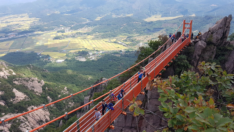 Cloud Bridge at Mt.Wolchulsan National Park,We offer unforgettable hiking vacations in South Korea. We have a tour that fits nearly anyone who loves to hike, breathtaking landscapes.  If you have any inquiry please contact us anytime.Tagy Travel Korea