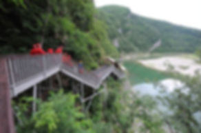Korea private tour-Tagytravelkorea, Baengnyong  Cave (White Dragon Cave) is a 1.8㎞-long, natural lim