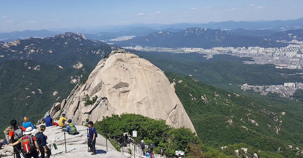 Korea private tour-Tagytravelkorea, Mt. Bukhansan Hiking - Hidden Wall trail tour : National parks are very rarely within a city, and yet Bukhansan Mountain in Seoul was designated as a the 15th national park of Korea in 1983.