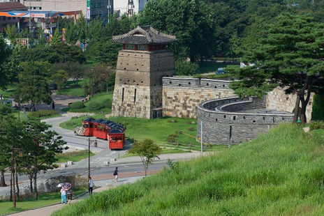 Korea private tour-Tagytravelkorea, Suwon Hwaseong Fortress-It was designated a UNESCO World Cultural Heritage Site.