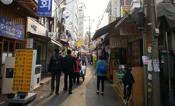 Korea private tour-Tagytravelkorea, Excursions along the Seoul city wall tour, Sejong Village Food Street