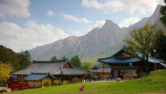 Korea private tour-Tagytravelkorea, Mt. Seorak, Sinheungsa Temple
