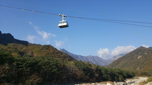 Korea private tour-Tagytravelkorea, Mt. Seorak, Ulsnbawi rock, sokcho city and the East Sea.