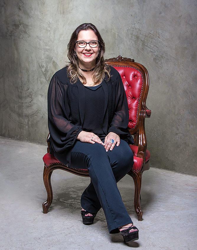 Retrato -  Dra Simone Navarro.jpg