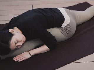 Yogaの指差し