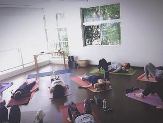 Sunday Yoga にちようび