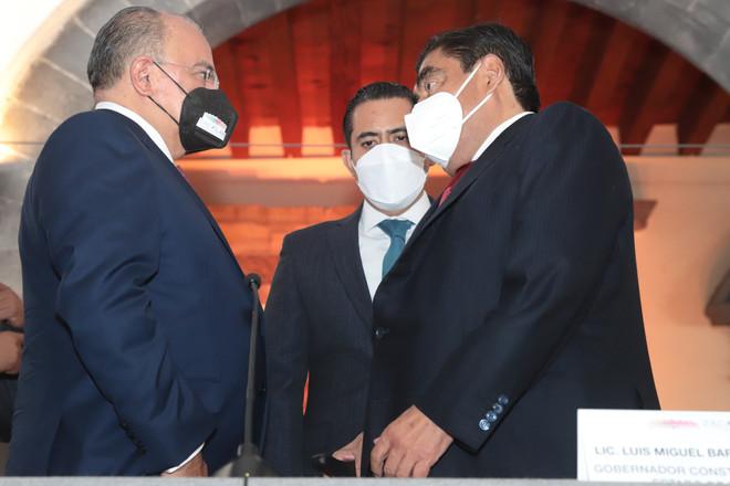 GOBIERNO DE PUEBLA NO CONFABULA PARA BENEFICIOS PRIVADOS, TRABAJA PARA QUIEN MENOS TIENE: MBH