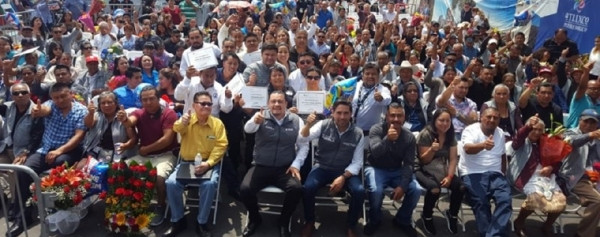 Primer grupo de 59 adultos mayores, del programa Raíces de Puebla, se reúnen familiares migrantes en